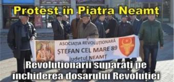Protest în Piatra Neamț. Revoluționarii supărați pe închiderea dosarului Revoluției