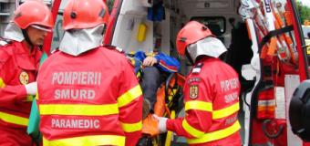 Incendiu la o locuință din Roman. Proprietarul, transportat în stare de inconștiență la spital