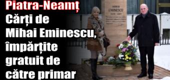 Piatra-Neamț – Cărți de Mihai Eminescu, împărțite gratuit de către primar